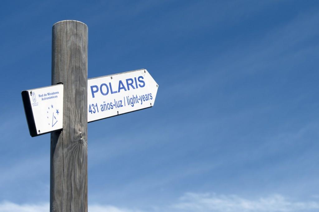 Im Inselinneren, Wegweiser zum Polarstern auf dem Weg nach El Pilar