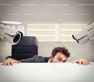 管理職は「監視職」ではない。